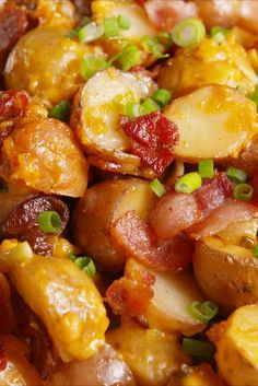 Loaded Slow-Cooker Potatoes: The best thing about comfort food is not actually have to cook it. Loaded Slow Cooker Potatoes, Crock Pot Slow Cooker, Crock Pot Cooking, Cooking Recipes, Easy Recipes, Potatoes In Crock Pot, Cooking Games, Loaded Potato Casserole, Cooking Pork