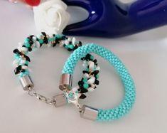 Elegáns, egyedi karkötők alkalmakra és a mindennapokra. Ajándékba vagy saját részre. Beaded Bracelets, Jewelry, Design, Fashion, Moda, Jewlery, Jewerly, Fashion Styles, Pearl Bracelets