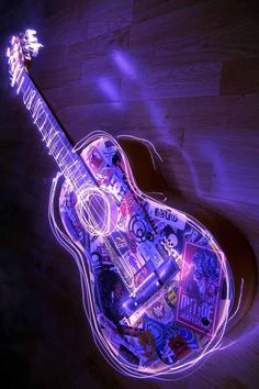PURPLE ELECTRIC GUITAR