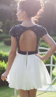 Backless dress - Black and white *Summer everywhere*