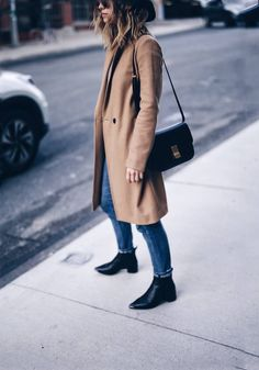 F/W streetstyle in @aritzia camel coat | THE AUGUST DIARIES