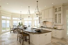 Premier - Traditional - Kitchen - boston - by Venegas and Company: favorite kitchen layout Traditional Style Kitchen Design, Traditional House, Traditional Kitchens, Traditional Cabinets, Traditional Bedroom, Küchen Design, Sofa Design, House Design, Design Ideas