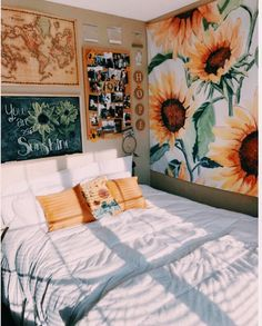 70 Amazing and Cute Aesthetic Bedroom Design Ideas 70 Amazin Cute Bedroom Ideas, Cute Room Decor, Bedroom Inspo, Indie Room Decor, Wall Decor, Bright Bedroom Ideas, Comfy Room Ideas, Yellow Room Decor, Floral Bedroom Decor