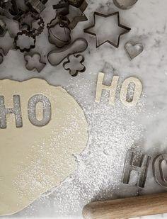 Lotta Agaton's Christmas Styling For Residence Magazine Photographed by Mikkel Mortensen Natural Christmas, Christmas Mood, Noel Christmas, Christmas Goodies, Christmas Photos, Christmas Baking, All Things Christmas, Xmas, Beautiful Christmas