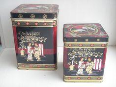 Tebokser i asiatisk stil 2 stk sort gull rød  NOK 50