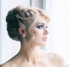 To see more gorgeous wedding hairstyles: http://www.modwedding.com/2014/04/10/stunning-wedding-hairstyle-inspiration/ #wedding #weddings #hairstyle