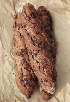 Homemade chocolate baguette recipe. It's easy to learn how to make baguettes at home, just takes some practice. These artisan chocolate baguettes are decadent, crispy on the outside and airy and tender on the inside. Make a perfect breakfast. Follow these easy steps to make a perfect and delicious baguette in no time. Proven baguette recipe.