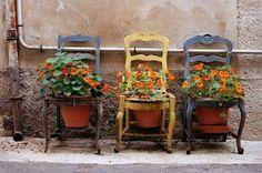 Aproveitando as velhas cadeiras...
