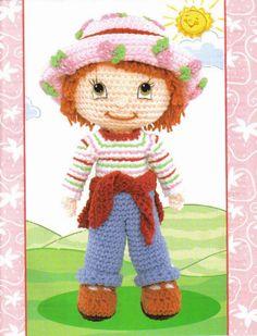 Amigurumi Muñeca Strawberry Short Cake - Patrón Gratis en Español aquí: http://labrujayelunicornio.blogspot.com.es/2010/09/muneca-strawberry-short-cake.html
