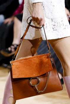 Spring 2015 Ready-to-Wear - Chloé bag Fashion Me Now, Fashion Bags, Paris Fashion, Jackets Fashion, Fashion Handbags, Fashion Fashion, Runway Fashion, Fashion Shoes, Fashion Outfits