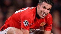 Is Manchester United right in selling off Robin Van Persie? - http://movietvtechgeeks.com/is-manchester-united-right-in-selling-off-robin-van-persie/-Robin van Persie arrived to Old Trafford at the start of the 2012/13 Premier League campaign and took no time settle in Manchester. The former Arsenal player was an instant hit with his new set of fans and colleagues.