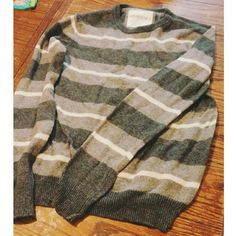 Grey Sweater Aeropostale gray striped sweater. Comfy, stretches. Fits a variety of sizes. Aeropostale Sweaters Crew & Scoop Necks