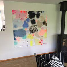 Se mine farverige malerier på Bjerker.com ☀️ #lerfeldtbjerker #bjerker #malerier #kunst -#modernart #kunstpåvæggen #modernekunst #bolig #interior #abstrakt