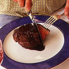 Eleve su experiencia cuando coma carnes. Los cuchillos Laguiole han sido utilizados por generaciones, y simplemente no hay calidad mejor. Visite http://laguiole.es/ para adquirir los suyos originales #Laguiole #Laguiole_es #Laguioleespaña #carne #bistec #cuchilloslaguiole