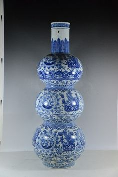 "CHINESE BLUE AND WHITE TRIPLE GOURD PORCELAIN VASE 25.5"" H X 8.5'' D"