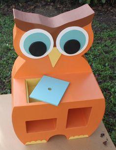 Voilà la bête, Noémie aime la couleur orange alors autant lui faire plaisir ! Je n'ai pas peint les ailes comme je l'avais imaginé au départ car je pense que ça aurait fait trop chargé, on va dire qu'elles sont cachées derrière... L'arrondi des angles...