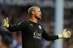 Leicesters Kaspar Schmeichel out for a month with broken hand   London (AFP)  Leicester City goalkeeper Kasper Schmeichel is set to be out of action for up to a month after breaking a bone in his hand during Wednesdays goalless Champions League draw away to FC Copenhagen the Premier League champions have announced.  Schmeichel suffered the injury during the first half in his native Denmark but got through the game and made a couple of late saves as Leicester edged closer to the last 16 of…