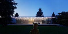 Das Programm ist gut gefüllt ... gestern Vormittag noch in Berlin, wurde #derArchitekt Abends in Biberach gesichtet. Dort besuchte er die Gira-Referenz von Werner Sobek Architekten. Was für Leben ...
