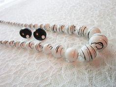 Jewelry NecklaceBlack & White Plastic Vintage by Timelesspeony