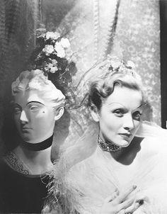 Антхони Луке не-само-још један блог-пхотоблог: Фотограф Профил ~ Сесил Битон 1935