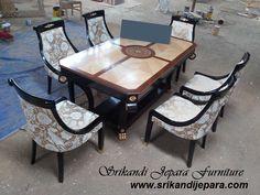 set meja makan klasik