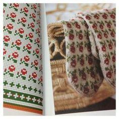 Photo Knitting Charts, Knitting Stitches, Knitting Designs, Knitting Projects, Knitting Patterns, Mittens Pattern, Knit Mittens, Knitting Socks, Hand Knitting