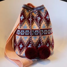 Wayuu style . #일상 #wayuu #wayuubags #wayuustyle #wayuubag #신상 #와유백 #칠라백 #모칠라 #맞팔 #소통 #선팔 Crochet Beanie, Knit Crochet, Mochila Crochet, Tapestry Crochet Patterns, Tapestry Bag, Tribal Patterns, Crochet Purses, Handmade Design, Filet Crochet