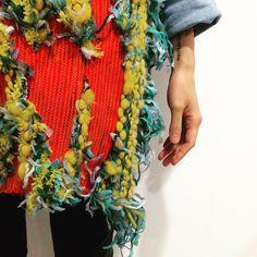 knitting textile #fashiondesign #centralsaintmartins Textile Design, Textile Art, Fabric Design, Knit Fashion, Fashion Fabric, Fabric Embellishment, Textiles Techniques, Textile Texture, Central Saint Martins