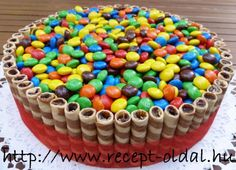 torták - Google keresés Sprinkles, Party Time, Candy, Food, Google, Eten, Candles, Meals, Candy Bars