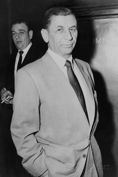 Meyer Lansky -Meyer Lansky was know as the mastermind in the organisation of the Mafia. Along with Luciano, Lansky is the Godfather of the modern day Mafia. Mickey Cohen, Real Gangster, Mafia Gangster, Gangster Quotes, Meyer Lansky, Bugsy Siegel, La Confidential, Al Capone, Thing 1