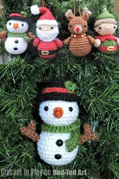 On Red Ted Art, we have this FREE Adorable Snowman Crochet Ornament pattern! Isn't he darling? A great make for Christmas and Christmas Gifting or Selling! Get started now! Crochet Christmas Decorations, Crochet Christmas Ornaments, Crochet Decoration, Holiday Crochet, Christmas Knitting, Christmas Snowman, Reindeer Ornaments, Snowmen, Crochet Santa