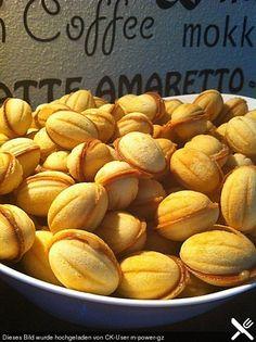 Moskauer Nüsse (Oreschki), ein gutes Rezept aus der Kategorie Kekse & Plätzchen. Bewertungen: 8. Durchschnitt: Ø 4,3.