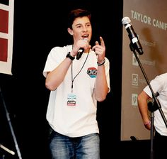 I kinda miss Shawn touring with Magcon buuttt eh....Benito