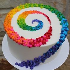 Colorful Patterned Swirl on White Cake: Birthday Cakes, Colorful Cakes Beautiful cake pictures: Colorful patterned strudel on white cake: birthday cake, colorful cake Beautiful Cake Pictures, Beautiful Cakes, Amazing Cakes, Pretty Cakes, Cute Cakes, Bolo Original, Colorful Cakes, Fancy Cakes, Crazy Cakes
