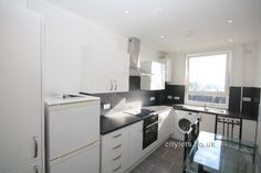 Lovely, bright 3 bedroom flat in Dundee's West  End