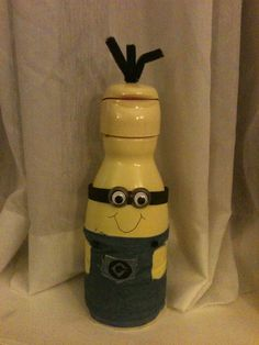 Minion made out of a creamer bottle