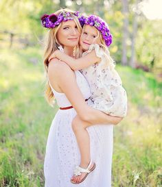 Get inspired with these adorable mother and daughter outfits.