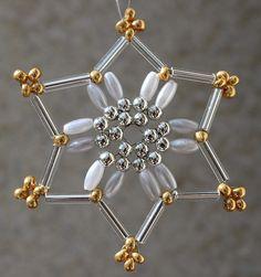 Beaded Snowflake, Handmade Christmas, Christmas Ornaments, Beading Projects, Snowflakes, Nova, Ceiling Lights, Beads, Pattern