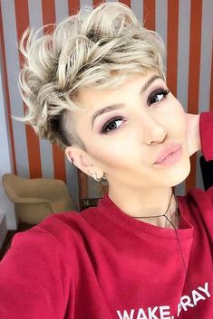 Stunning Undercut Short Curly Hairstyles for Women 2019 Undercu. Stunning Undercut Short Curly Hairstyles for Women 2019 Undercut Short Curly Hairstyles for 2019 Soft, . Short Curly Pixie, Short Curly Hairstyles For Women, Curly Hair Styles, Girls Short Haircuts, Short Hair Cuts, Long Curly, Women's Shaved Hairstyles, Pixie For Curly Hair, Shaved Curly Hair