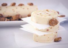 Semifreddo waniliowo-migdałowe - włoski deser lodowy