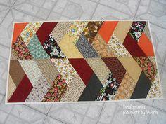 """Tapete """"friendship braid quilt"""" utilizando retalhos variados. Super fácil e rápido de fazer."""