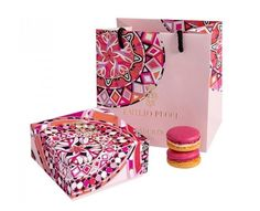 Patisserie - Odette Patisserie's brand identity exudes elegance and sophistication. Based in Warsaw, Poland, the artisanal bakery boasts a brand identity . Bakery Branding, Bakery Packaging, Food Packaging Design, Box Packaging, Branding Design, Patisserie Paris, Box Cake, Emilio Pucci, Macarons