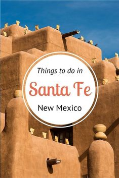 Insiders Guide on things to do in Santa Fe - where to eat, drink, sleep, shop, explore and much more on our blog! #USATravel #NewMexico #SantaFe #Eat #Drink #Shop #Explore #mountains #MuseumOfIndianArtsAndCulture #InternationalFolkArtMuseum #CanyonRoad #D