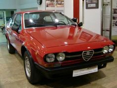 Classic cars classifieds from collector car owners worldwide Alfa Romeo Gtv, Automotive Art, Collector Cars, Car Pictures, Cars For Sale, Vintage Cars, Classic Cars, Bike, Vehicles