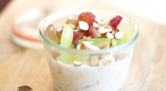 Overnight Oats in a Jar with Grapes and Almonds: perfect breakfast option with good protein, fiber and antioxidants! Breakfast Options, Perfect Breakfast, Breakfast Dishes, Breakfast Recipes, Soy Milk Nutrition, Grape Nutrition, Overnight Oats In A Jar, Grape Recipes, Peanut Butter Banana
