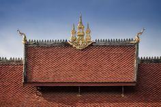 #Temple roof in Luang Prabang, #Laos - www.gdecooman.fr - portfolio, stages photo, photographe mariage à Lille, naissance, bébé, évènements