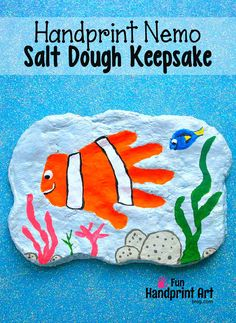 Finding Nemo Handprint Keepsake Plaque - Fun for Father& Day too! Finding Nemo Handprint Keepsake Plaque - Fun for Fathers Day too! Crafts For Kids To Make, Craft Activities For Kids, Kids Crafts, Daycare Crafts, Craft Ideas, Activity Ideas, Baby Crafts, Learning Activities, Kids Learning