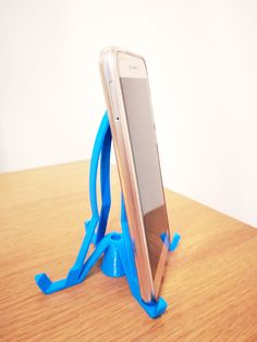 You can order any other personalised cool printed phone holder for desk with different texts and figures at Manubim. Phone Stand For Desk, Cell Phone Stand, Phone Cases, Phone Charger Holder, 3d Prints, Girls Bags, Diy Videos, The Help, Texts