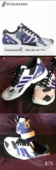Adidas Torsion Shoes Adidas Torsion Men's shoes. I am female and wore them. Size 9 mens and approximately 11 women's. Great condition only wore a few times. Smoke and Pet free. Adidas Shoes Sneakers
