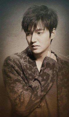 dedicated to minho Asian Actors, Korean Actors, Lee Min Ho Movies, Mc Mong, Lee Minh Ho, Lee Min Ho Photos, Knitting Humor, City Hunter, Chinese Man